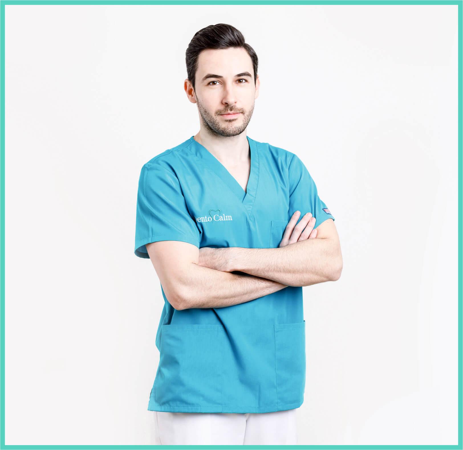 Dr. Adrian Cristea - Clinica Dentocalm