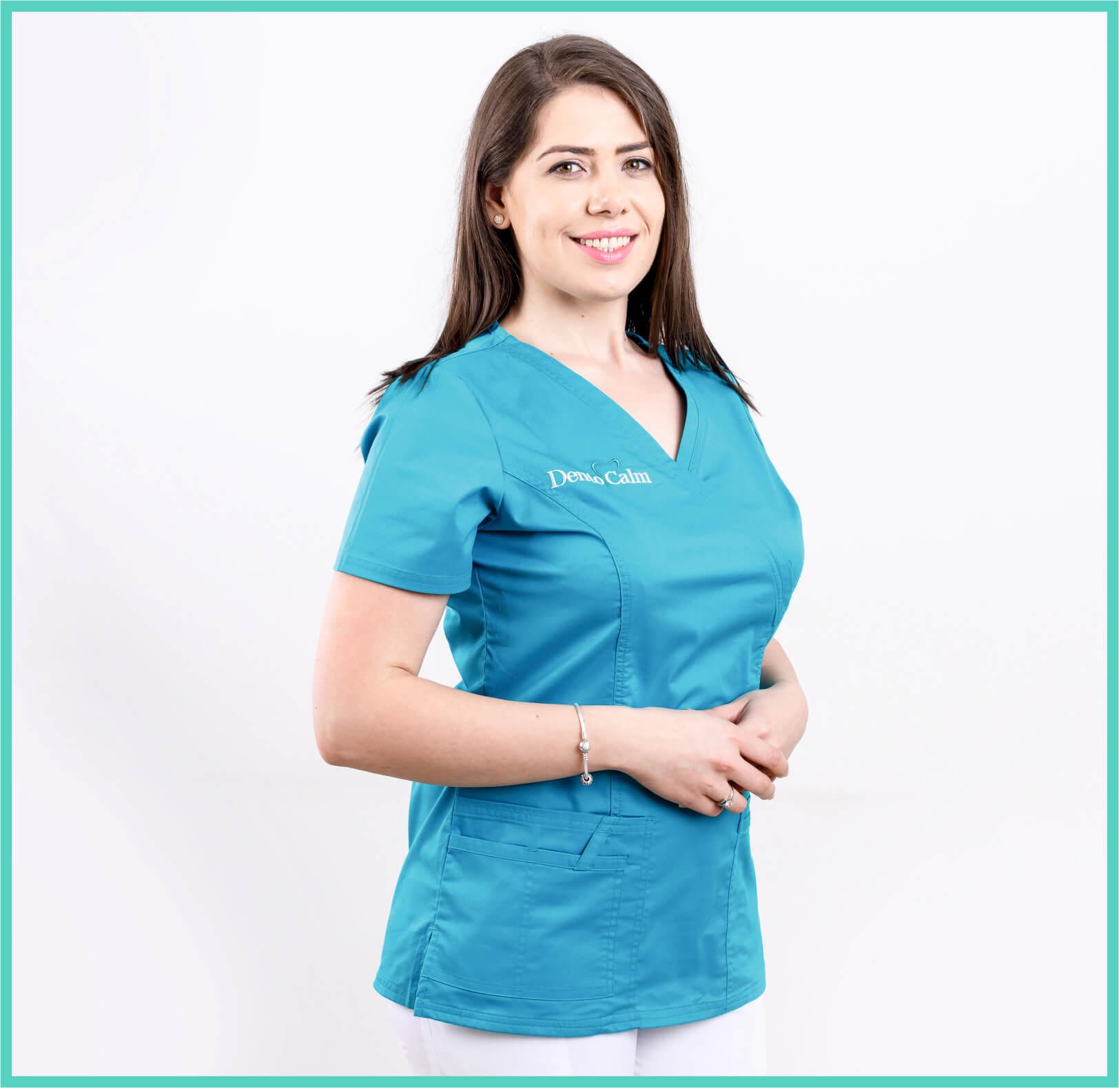 Dr. Andriana Sallum - Clinica Dentocalm
