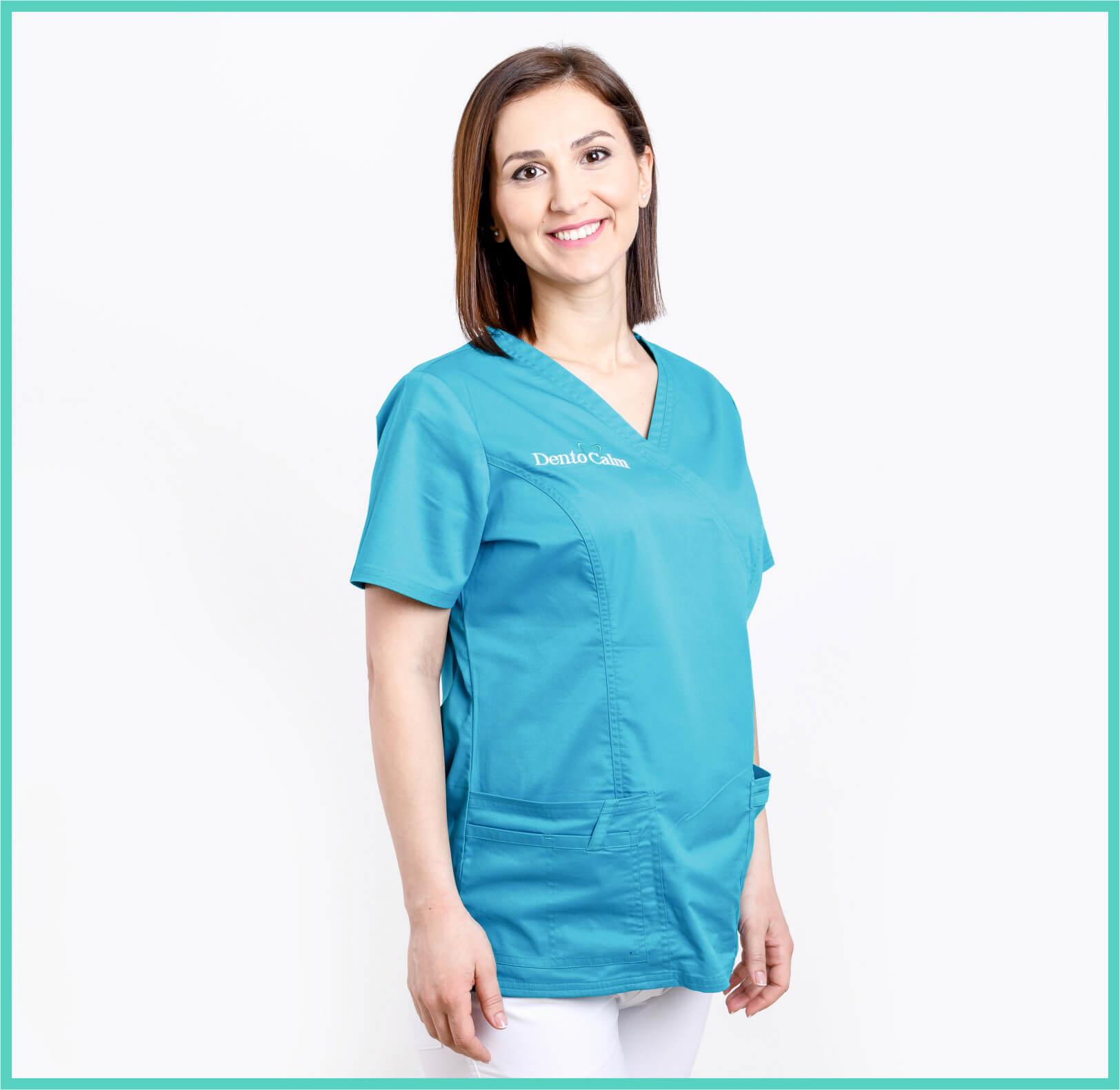 Dr. Cristina Alb - Clinica Dentocalm